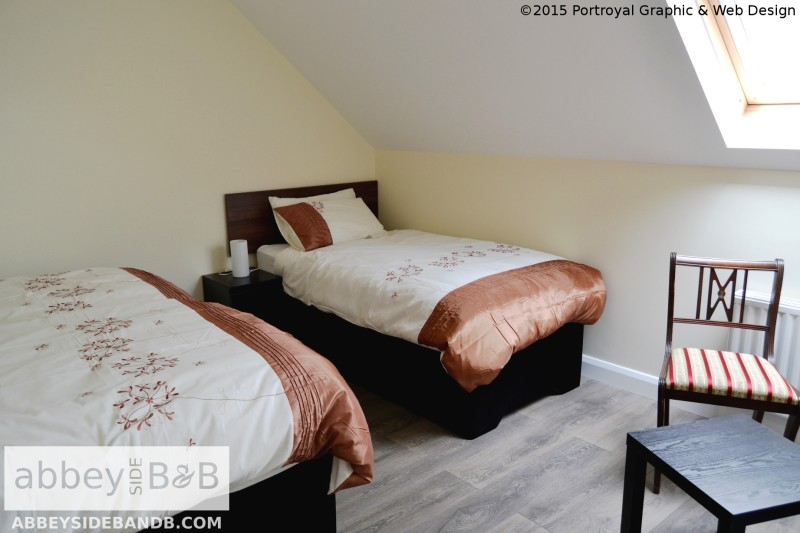 Abbeyside_BB_Triple_Room_with_External_Private_Bathroom_1