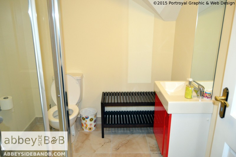 Abbeyside_BB_Triple_Room_with_External_Private_Bathroom_4