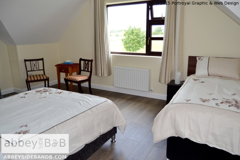 Abbeyside_BB_Triple_Room_with_Private_Bathroom_5